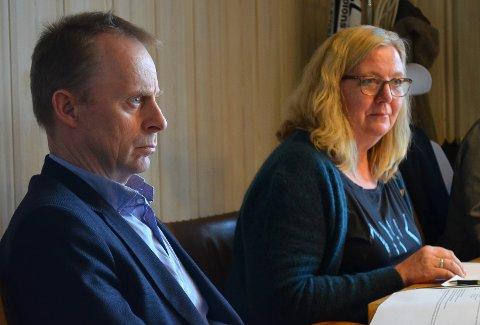 VIL IKKE ØKE SKATTETRYKKET: Kommunedirektør Kristian Trengereid understreker at han ikke har foreslått å øke det totale eiendomsskattetrykket i Elverum, når han foreslår å endre beregningsgrunnlaget for nettopp eiendomsskatten. Onsdag skal forslaget om endringene i eiendomsskatten opp til politisk behandling i formannskapet, her representert ved ordfører Lillian Skjærvik (Ap).