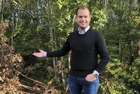 Bygger brattåslia borettslag: Frederic Kristoffersen og Pancom AS har kjøpt tomta bak Brattås skole av Porsgrunn utvikling. De vil bygge 16 nye boliger i åsen opp mot Merkurvegen.