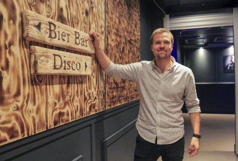 To nattklubber: Sondre Thorsen er en av driverne i Park Bier Bar i Porsgrunn og Torden Bar & Diskotek i Langesund. Han ser ikke for seg at det vil være fornuftig å holde åpent for et begrenset antall gjester, men varsler nå at det kan bli veldig aktuelt å leie ut for lukkede selskaper.