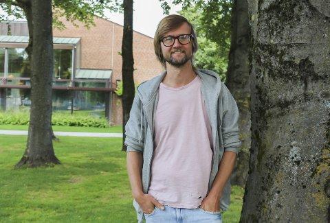 Musiker og artist: Stian Collier (39) er i vinden med ny EP om barndommen i Porsgrunn. Han forteller at arbeidet med EP-en har vekket mange minner og brakt fram mye følelser.