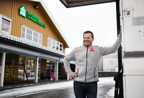 Åpent: Etter litt forvirring rundt reglene har Jarle Gabestad fått klarsignal fra kommunen på at Degernes Landbrukslag kan holde åpent.