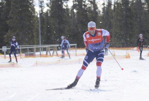 VIND I SKJEGGET: Martin Johnsrud Sundby var i storslag.