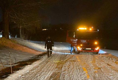 BERGET: Bilene ble berget av Falck og fraktet bort i 17-tiden søndag.