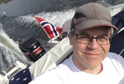 Båtvant redaktør: For Øyvind Lien er vannet en av regionens største fordeler. Men også nærheten til skog og fjell. – Vi har alt, mener han. Leserfoto