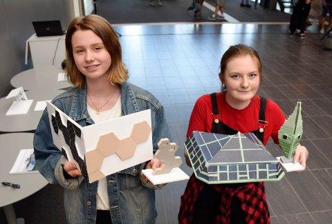 DESIGN: Oppdraget var å designe en ladestasjon for el-biler, og en jury mente at Emilie Kristoffersen (til venstre) og Jane Linnestrand hadde de beste forslagene.