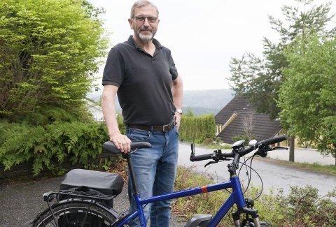 PENSJONISTVIRKSOMHET: Jan Willem Brill liker elsykkelen sin.