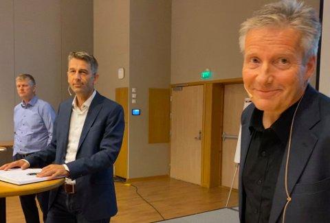 KLAR TALE: Tord Laeskogen, administrerende direktør på Sundvolden hotell, Rolf Jarle Aaberg, leder for Treklyngen og Pål Teppan, teknisk sjef på Andritz Hydro benyttet anledningen til å kommunisere klare ønsker til sine vertskommuner da de fikk sjansen denne uka.