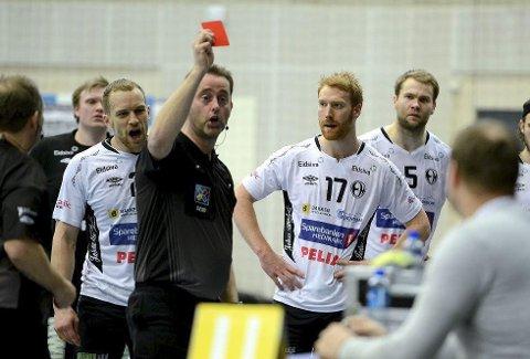 SER PÅ SAKEN: Norges Håndballforbund skal granske Elverum Håndballs erkjennelse av å ha pådratt seg fire røde kort i kampen mot Lillestrøm søndag.                                            FOTO: ANITA HØIBY GOTEHUS