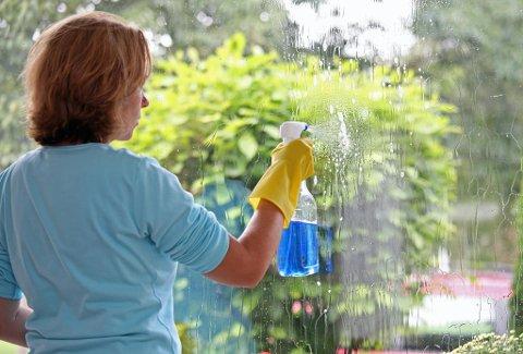 Ny studie: Kvinner som jobbet som renholdere eller vasket hjemme hadde en reduksjon i lungekapasitet tilsvarende det å røyke mellom 10 og 20 sigaretter daglig i 20 år. Foto: Colourbox