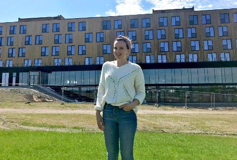 TAR FORM: Hotelldirektør Silje Jørgensen kan vise fram et hotell som begynner å ta form også innvendig.