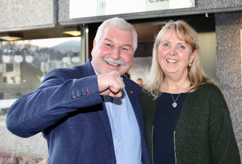 GLEDER SEG: Ivar Granum og Marianne Riis Rasmussen er Asker Arbeiderpartis toppkandidater til neste års kommunevalg.