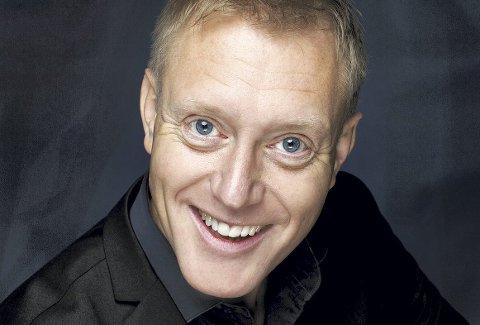 MORO: Haakon Esplo er utdannet musiker, men sikkert mest kjent for sin gjøgling. I kveld kommer han til Åros.