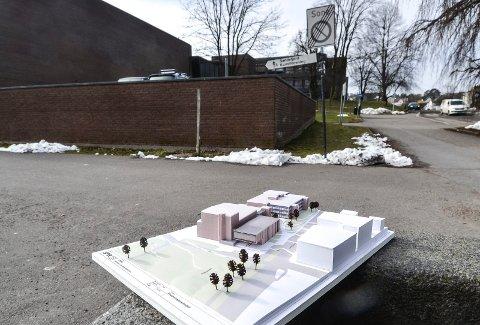 HJERTNES: Det nye kulturbygget ved Hjertnes skal ligge mot Hjertnespromenaden, inntil og koblet sammen med det eksisterende kulturhuset. Etter planen skal byggingen starte tidlig i 2021..