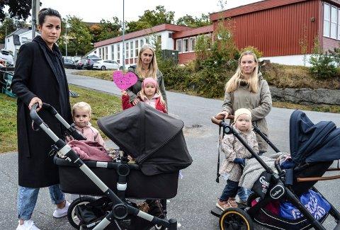 BEKYMRET: De tre mødrene har flyttet fra Oslo til Framnes for å ha et trivelig og barnevennlig bomiljø i villastrøket på Framnes, f.v. Karoline Eftang, døtrene Julia (4) og Evelyn (5 måneder - i vogna), Anne Lene Gjengseth med Matilde (6) og Camilla Karto med døtrene Jenny (3) og Synne (1 - i vogna).