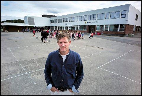 GLEDELIG: Rektor Dag Telstad på Tindlund barneskole. Dette bildet er for ordens skyld et arkivbilde tatt lenge før koronautbruddet.