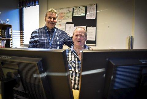 UNDER SAMME TAK: Virksomhetsleder Hans Petter Vammeli (til venstre) fra Askim kommune og teknisk sjef Lars Flaathen fra Hobøl sitter på samme kontor i Askim.