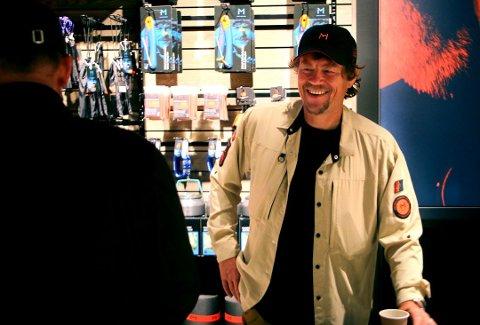 Lars Monsen forteller i kveld om alkoholproblemene han hadde før han ble hele Norges turvenn.