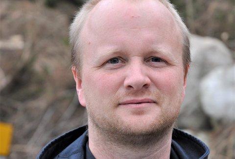 SEIER OPP: Johan Mjølhus har fleire jobbar. Stillinga som brannsjef er ein av dei, men der har han nå sagt opp.