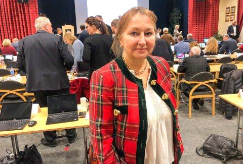 Tidligere fylkesordfører Gunn Marit Helgesen, H ønsker mer informasjon og innsyn i den hemmelige rapporten om varslingssakene mot økonomidirektør Rune Terje Hjertaas.