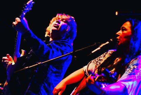 DUO: Morten Omlid og Rita Engedalen er begge høyt respektert i det norske bluesmiljøet. Etter mer enn 20 år på scenen sammen, er det ikke noe å si på samspillet.