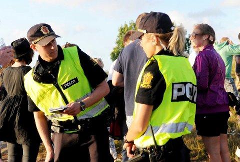 PASSER PÅ: Politiet i Vestfold hadde ekstra ressurser på Stavernfestivalen forrige uke, og har sendt ut ekstra mannskaper på Slottsfjellfestivalen denne uka
