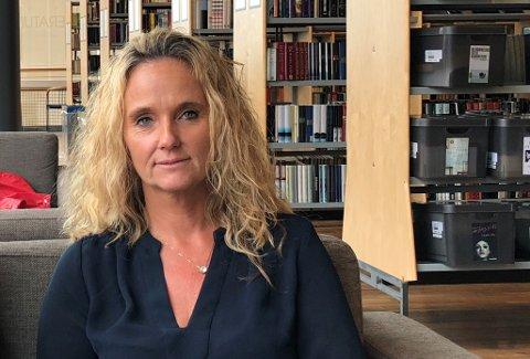 ETTERLYSER SPARSOMMELIGHET: Frp-politiker Ellen Eriksen mener fylkeskommunen sløser når de drar på hotellovernatting i forbindelse med fylkestingsmøter.