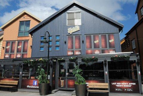 PÅ JAKT: Heidi's Bier Bar har engasjert NHO reiseliv, og der stiller advokat Kjell Ola Berg spørsmål ved skjenkekontrollør Annikken Johnsruds habilitet. Det skjer etter at utestedet har fått flere prikker etter at skjenkekontrollen har vært på besøk.