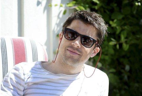 KVITTER SEG MED LEILIGHETEN: Komiker Nils Ingar Aadne, fra Andebu, selger luksusleiligheten på Fornebu.