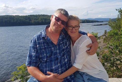 KOMMENDE BRUDEPAR: June Øhre (43) og Vesa Leskinen (42) gleder seg til å markere kjærligheten deres med et bryllup.