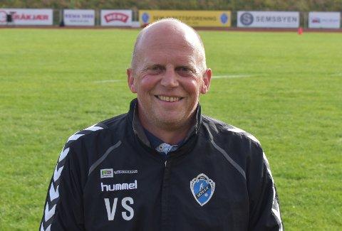FORNØYD: Leder i Sem Idrettsforening, Vegard Schanche kan smile fornøyd etter tildeling fra korona-krisepakken.