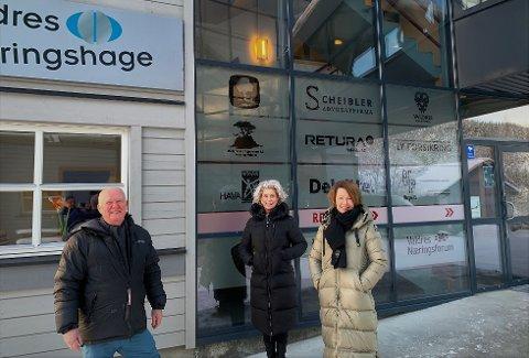 Samarbeid: Erik Bergs konsulenttjenester til Valdres Næringshage er nå mer formalisert. Det liker Karianne Borchgrevink og Hilde T. Døvre (lengst t.h.) meget godt.