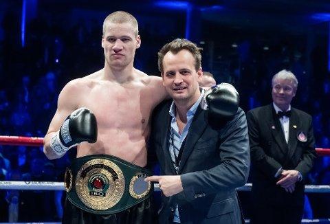 SNART TILBAKE: Kai Robin Havnaa, her med promotor Nisse Sauerland i mars, er tilbake i ringen neste måned.