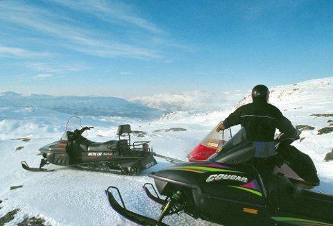UJEVN VEI: Ferden mot å få snøscooterløyper i kommunene har ikke bare vært lett. Foto: Arkiv