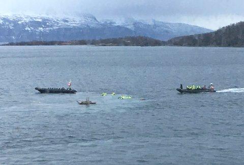 Harstad  20170216. To personer ble hardt skadd da en båt traff en installasjon i Harstad Havn torsdag ettermiddag. I alt ble 22 personer fraktet til sykehuset etter ulykken.  Foto: Gunnar Berg / NTB scanpix