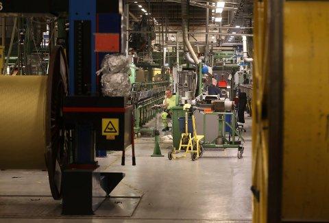 Store nedjusteringer: Nexans skal i gang med et restruktureringsprosjekt, som kan komme til å ramme mange av de ansatte på Nexans-fabrikken på Rognan det kommende året.