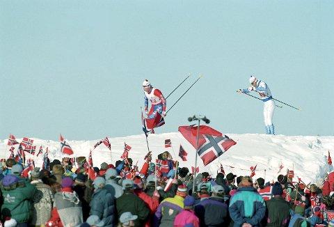 Lillehammer drømmer om et nytt vinter-OL i byen. Dette bildet er fra herrenes langrennsstafett i 1994-lekene. (Arkivfoto. Pål Hansen / NTB scanpix)
