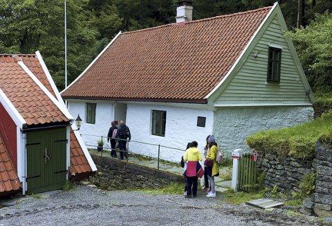 Det er ikke få som har tatt den lille avstikkeren innom Øvre Bleken gård på vei til og fra Fløyen. – De fleste kommer innom på nedturen etter å ha tatt Fløibanen opp, forklarer Øystein Skålevik. (Foto: ØYSTEIN SKÅLEVIK)