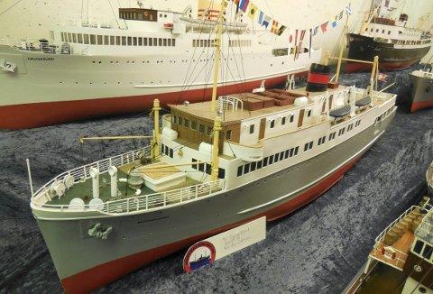 Modellen av MS «Sognefjord» blir, når vi kommer til helgen, forsiktig fraktet fra «hjemmehavn» på Os til Turnhallen på Slettebakken. Der blir den flotte modellen langt fra alene.