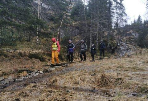 BYFJELLSTRIMMEN: «Det finnes ikke dårlig vær, bare ...» Dette er gjengen som var ute og gikk turen for et par uker siden. Foto: BYFJELLSTRIMMEN