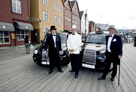 Akkurat denne dagen I 2007 var de tre representantene for Taxi 1 de stiligste taxisjåførene i hele verden. F.v. Tore Johan Brynjulfsen, Robert Åsmul og Terje Birkeland.                       Foto: MAGNE TURØY
