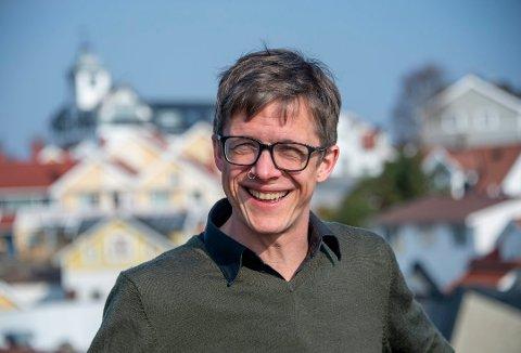 Forfatter Simen Hagerup står på listen over søker på sjefsjobben på Skrivekunstakademiet.