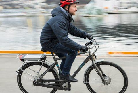 Flere og flere ønsker å skaffe seg en el-sykkel. Og i en tid der vi anbefales å komme oss fra A til B uten å bruke kollektivt transportmiddel, blir el-sykkel mer og mer et alternativ. Men i øyeblikket er det intet som tyder på at kommunen fortsetter støtteordningen fra i fjor.