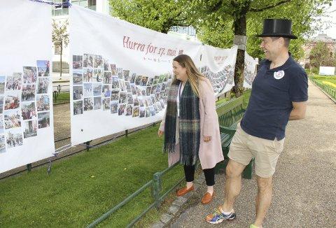 Medlem av 17. mai-komiteen, Carl A. Harbitz-Rasmussen (t.h.) har planen klar for etterbruken. – De vil bli rullet sammen og gitt til et arkiv som vil ta vare på de for ettertiden. De vil bli en viktig dokumentasjon av 17. mai i Bergen i koronaåret 2021. Til venstre daglig leder i Salgs- og Reklameforeningen, Mariell Sæternes. Foto: TOM R. HJERTHOLM