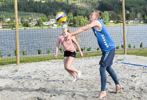 POPULÆRT: Stadig flere spiller volleyball, og nå tar den lokale videregående skolen grep for å sikre spillerne et best mulig studietilbud.