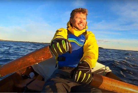 EVENTYRAR: Arne Kristoffersen (39) frå Kristiansand ror Norge på langs. Påskeaftan var han i Florø og no ligg han i Bremanger og venter på vêret.