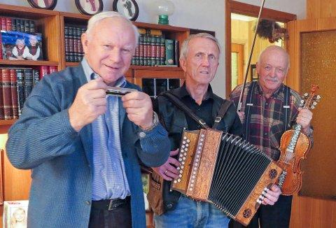 KLARE FOR AMERIKA: Einar Eimhjellen (f.v.) Oddleiv Hjellum og Magnus Hope skal halde kurs og konsert i Minnesota.