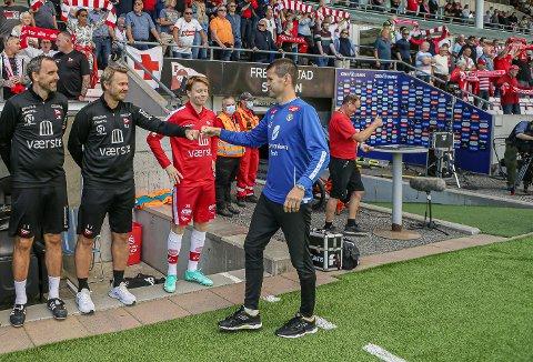 PLANEN: Eirik Bakke og Sogndal har eit stykke opp til Bjørn Johansen og Fredrikstad på tabellen etter søndagens tap. Men det er likevel der mannen i blått har retta blikket sitt.