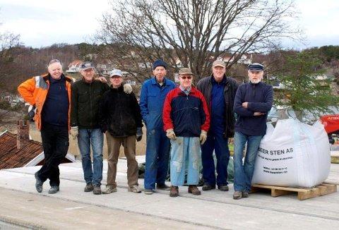 Fra venstre ser vi: Willy Møllberg, Jan Appelgren, Steinar Pettersen, Kenneth Baarstad, Leif Hansen, Tom Buskoven og Brottets far Jan Artnzen.