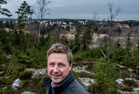 BLIR RIFT OM TOMTENE: - Det er mange som vil bo i dette området av byen. Nå håper vi å starte med infrastrukturen rett etter sommeren, sier Arild Mortensen, direktør i Isegran Eiendom.