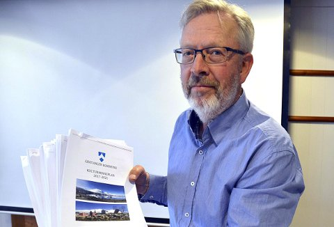 Rådmann Ole Kristian Severinsen har sagt ja til at en Eidar Løvdal likevel får gjort det nye fjøset ferdig.